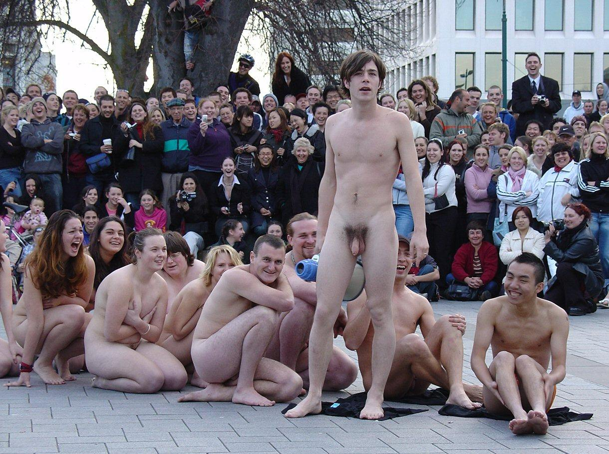 New zealand and naked presenter